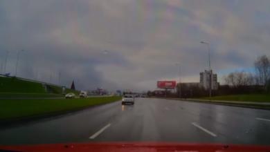 """Per juodąjį penktadienį užfiksuotas prieš eismą važiuojantis """"VW Golf"""""""