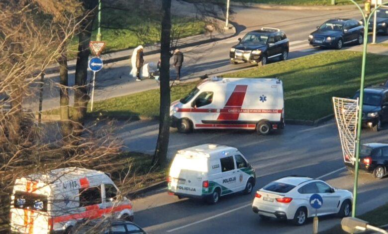 Klaipėdoje žuvo automobilio partrenkta ėjusi per pėsčiųjų perėją moteris