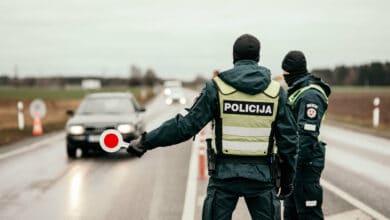 Policija judėjimas keliuose sumažėjo beveik 80 procentų, bet apsukta buvo virš 30 tūkst. automobilių
