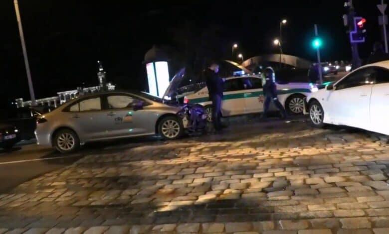 Trijų automobilių avarija Vilniaus centre