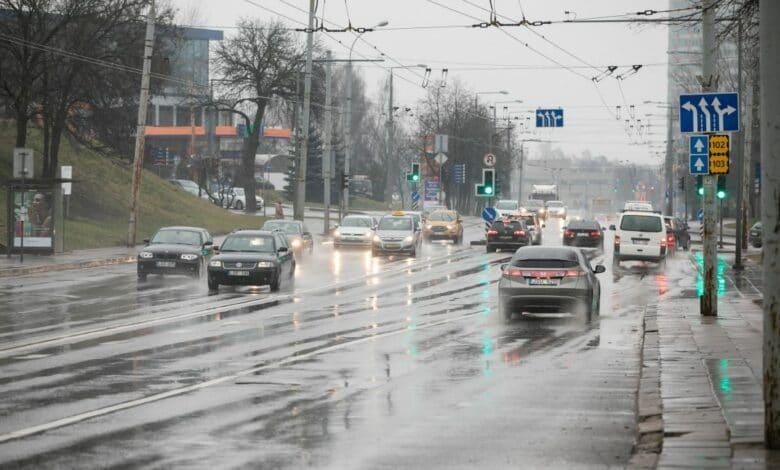 Laikini eismo pokyčiai Vilniaus miesto Verkių gatvėje nuo Vasario 22 dienos