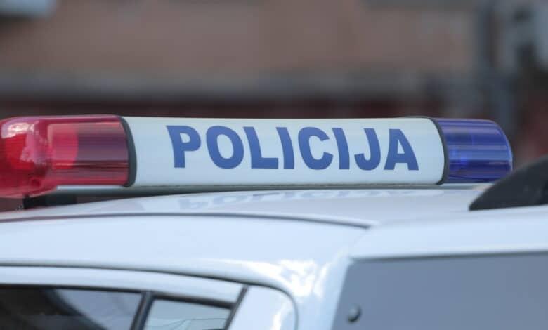 Pareigūnams įkliuvo 41-ą kartą už vairo be teisių ir 17000 eurų baudų nemokantis vairuotojas