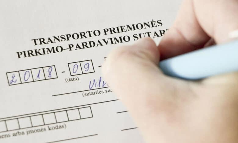Automobilių pardavėjui slėpusiam mokesčius paskirta 21 tūkst. eurų bauda