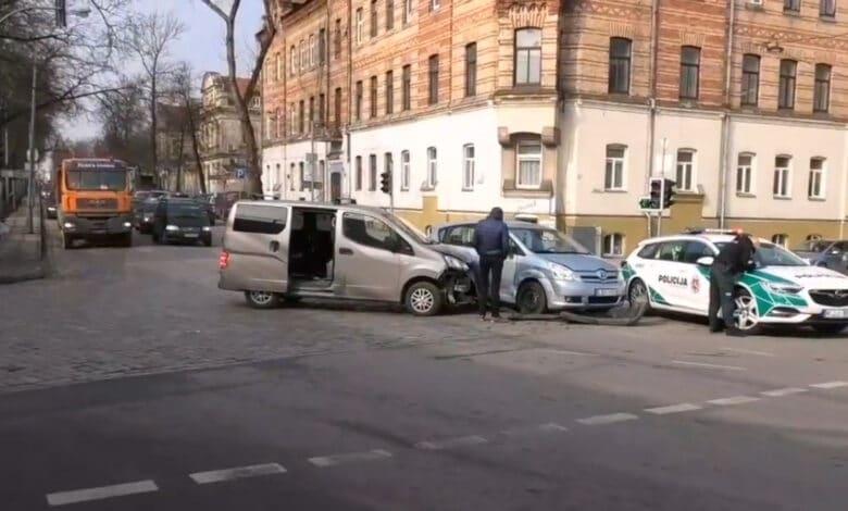 Iš eismo įvykio nuo Rumšiškių sprukęs vairuotojas sulaikytas Vilniuje sukėlęs kitą eismo įvykį