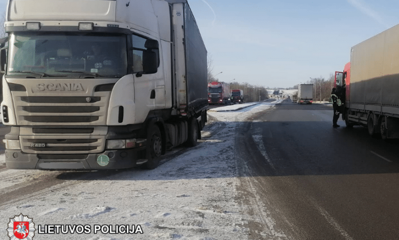 Neblaivus vilkiko vairuotojas iš Lenkijos bandė papirkti pareigūnus