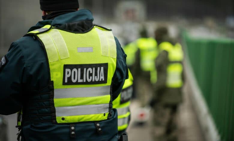 Vyriausybė grąžino judėjimo ribojimus tarp savivaldybių: karantinas pratęstas iki balandžio 30 d.