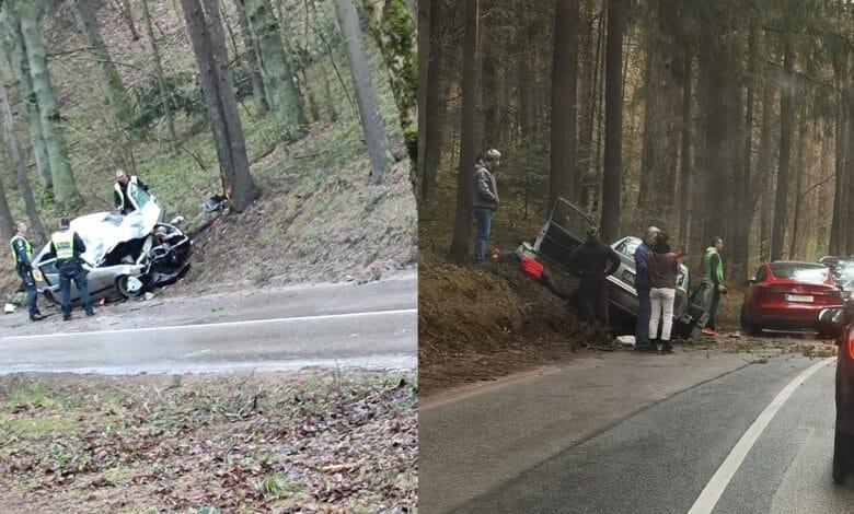 """Avarija Vilniuje: """"BMW"""" automobilis rėžėsi į medį"""