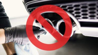 Vyriausybė nusprendė atšaukti automobilių registracijos (taršos) mokestį, o visiems sumokėjusiems - grąžinti pinigus