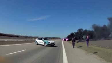 Vilnietis bandydamas sunaikinti įkalčius padegė automobilį, bet patyrė fiasko (video)
