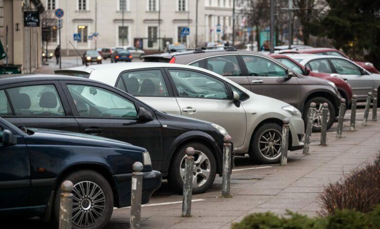 Vilniuje bus mažinamas rezervuotų parkavimo vietų skaičius