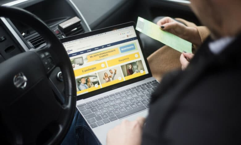 66 proc. transporto priemonių savininkų SDK kodą išsiima internetu nemokamai