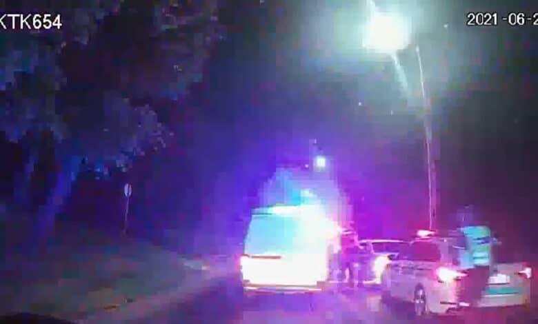 Neblaivaus BMW vairuotojo gaudynės naktį baigėsi sulaikymu (video)