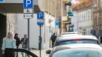 Vilniaus centre ir patogiai viešuoju transportu pasiekiamose teritorijose mažės parkavimo vietų įrengimo koeficientai