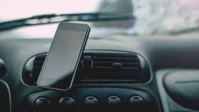 Priežastys, kodėl telefono laikiklis automobiliui yra naudingas pirkinys