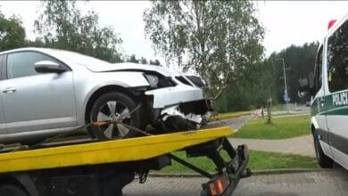 Tragiška nelaimė Vilniuje: nuo kelio nuvažiavęs vairuotojas rastas miręs automobilyje