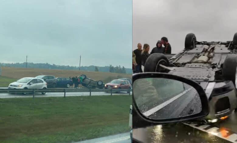 Trijų automobilių avarija kelyje A1: vienas iš jų apsivertė ant stogo (video)