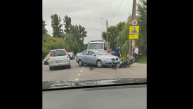 Vilniuje partrenktas motociklininkas išgabentas į ligoninę su kojos atviru lūžiu
