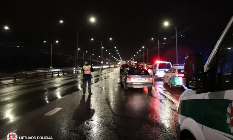 Ketvirtadienį užregistruoti 54 eismo įvykiai, sužeista 15 žmonių