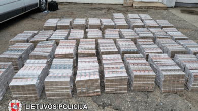 Marijampoliečio automobilyje rasta kontrabandinių cigarečių, kurių vertė – apie 71 000 Eur.