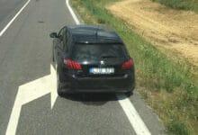 Moters pagalbos šauksmas: nežymėtu automobiliu pareigūnai išprovokavo pažeidimą, o vėliau atėmė vairuotojo pažymėjimą