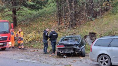 Avarija Vilniuje: vertėsi jauno vaikino nesuvaldytas automobilis
