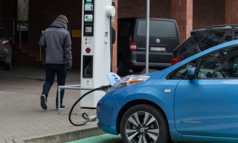 Įsigykite elektromobilį ir pasiimkite subsidiją: liko dar 2,7 mln. eurų