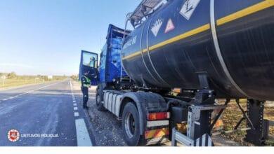 Šią savaitę dėmesys krovininių automobilių ir autobusų vairuotojams