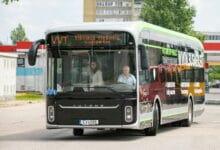Sostinėje kelią skinasi ekologiškas transportas. Keleivius veš elektra varomi autobusai